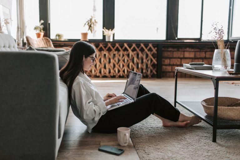 Guadagnare da casa con Internet: è possibile?